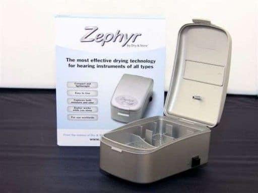 Sistema para eliminar la humedad de los audífonos